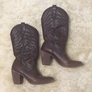 Brown Xhilartion cowboy boots 8 western heel